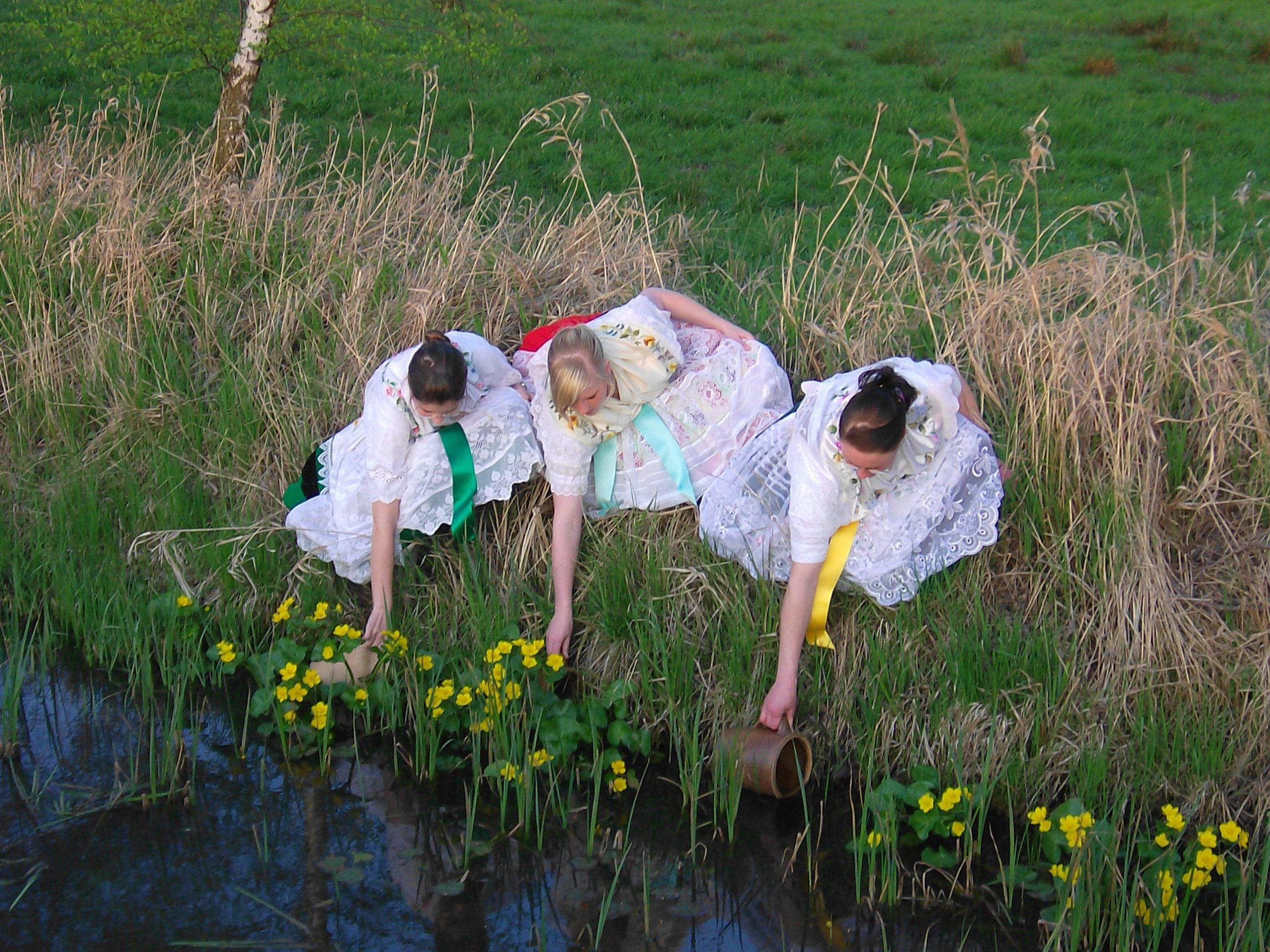 Bräuche Spreewald Osterwasser holen